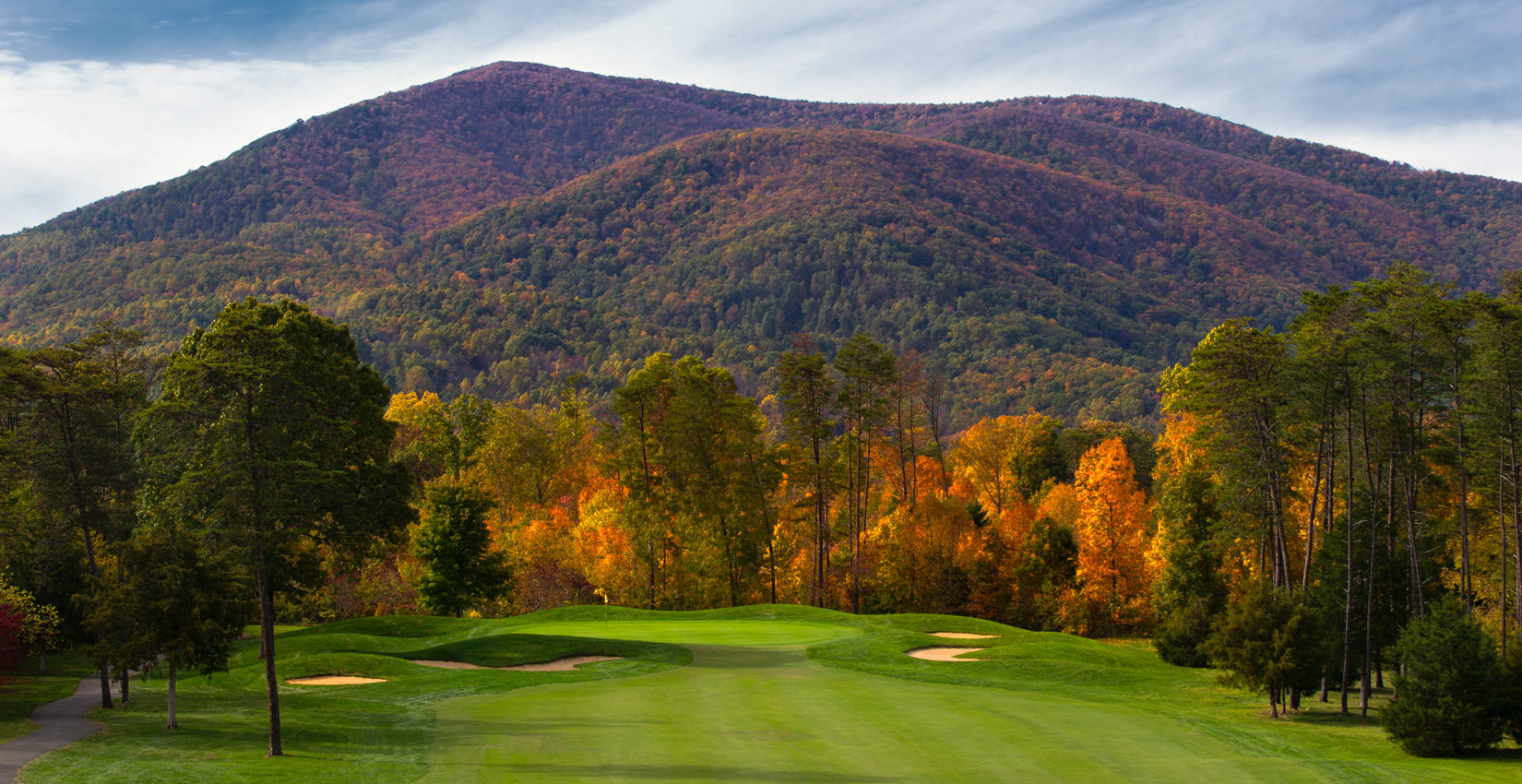 fall golf in the blue ridge mountains at wintergreen resort in virginia